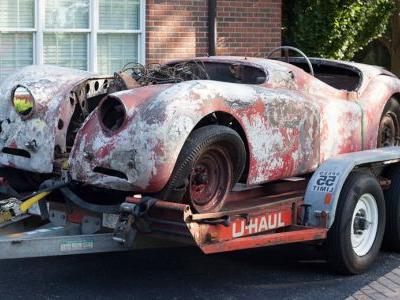 Classic Jaguar XK120 Was Kept In A Barn For 50 Years