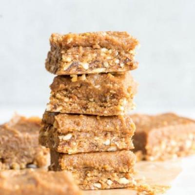 No-Bake Peanut Butter Blondies