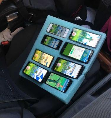 Trooper catches driver on side of road playing Pokémon Go on 8 phones simultaneously