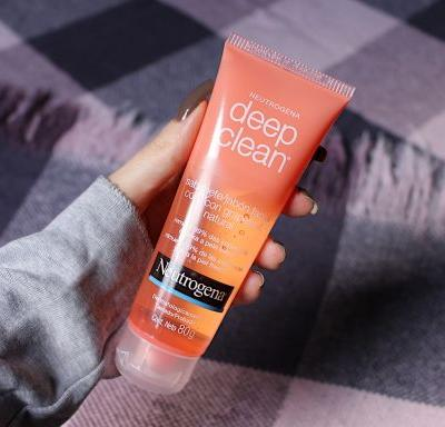 Neutrogena Deep Clean Grapefruit Gel | Review