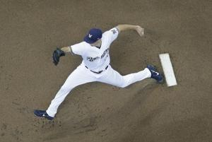 Brewers LHP Suter to have Tommy John surgery, out for year