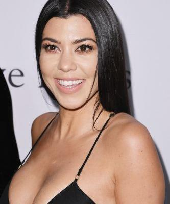 This Photo Of Kourtney Kardashian's Wardrobe Malfunction At Kylie Jenner's Party Is Epic