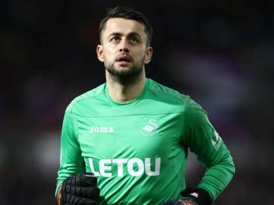 West Ham sign Swansea goalkeeper Fabianski for £7m