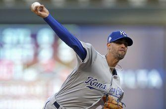 Royals' Lopez perfect through 7 innings against Twins