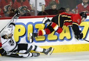Campbell records 2nd shutout, Kings beat Flames 3-0