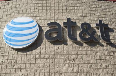 Responding to the competition, AT&T announces a new unlimited data plan