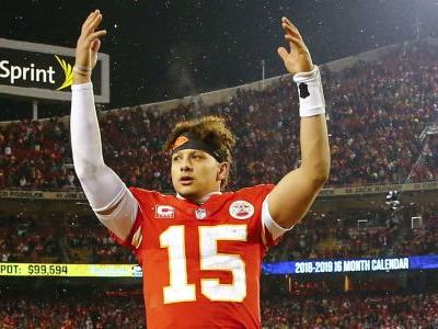 Patrick Mahomes could sign NFL's first $200M contract, report says