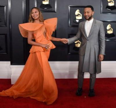 Chrissy Teigen & John Legend Look Cute AF at the Grammys & That's All