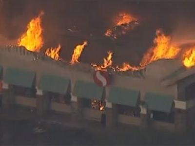 LIVE: Firefighters battling massive blaze at grocery store in Arizona
