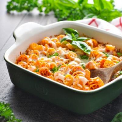 Dump-and-Bake Wagon Wheel Pasta