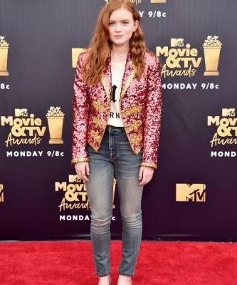 This Stranger Things Star Wore Skinny Jeans on the MTV Awards Red Carpet