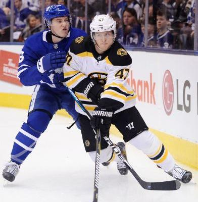Matthews leads Maple Leafs past Bruins 3-2 for 2-1 lead