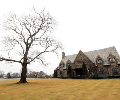 Hopes of playing golf's U.S. Open at Winged Foot in June are quickly fading