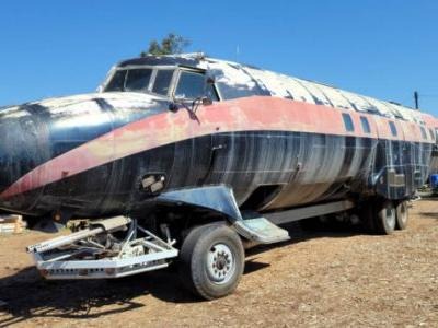 This Baffling Fugitive-Built RV Has The Body Of An Airplane And A Hidden Hot Tub