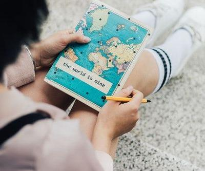 7 Ways To Make The Most Of Your Study Abroad Experience Outside The Classroom