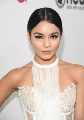 Vanessa Hudgens's Dramatic Cat Eye From Oscars Night Is Liquid-Liner GOALS