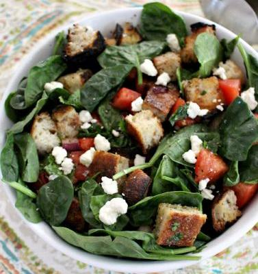 Grilled Bread Salad with Spinach, Tomatoes and Blue Cheese