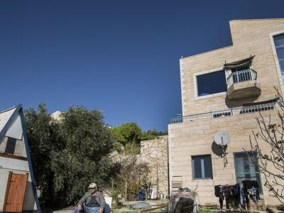 Israel steps up boycott fight after Airbnb settlement ban