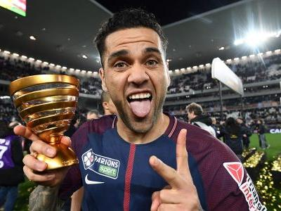 Neymar's return and birthday boy Dani Alves the ballerina - Ligue 1 goes social