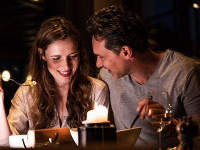 How to Treat Your S.O. to a Special Valentine's Meal Without Ruining Their New Year's Resolutions