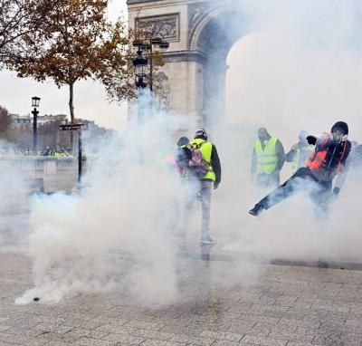 Trump gloats as French police combat latest Paris protests
