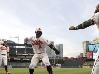 Orioles tie MLB record for HRs allowed, beat Royals 8-1