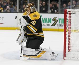 Rask stops 30 shots, Bruins beat Leafs 4-1 to tie series 1-1