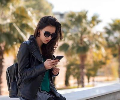 Here's How To Know You're Ready To Delete Your Ex's Number, According To An Expert