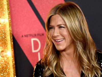 Jennifer Aniston Puts Her $220 Million Net Worth To Good Use And Is Reportedly Buying A Private Island