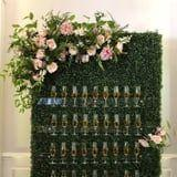 Wedding Champagne Walls Are So Pretty, I Want to Set One Up in My Living Room Right Now