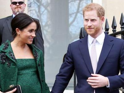 Going ~Green!~ Meghan Markle Shows Off Growing Baby Bump in Stunning Green Coat
