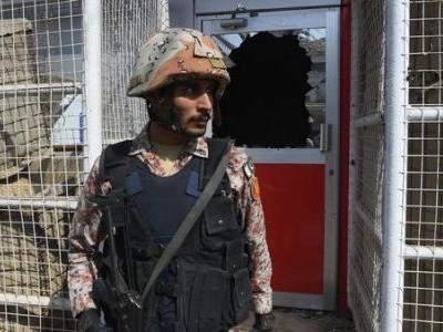Militants, Police Killed In Failed Attack On Chinese Consulate In Karachi