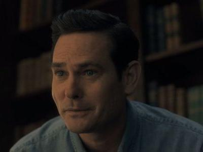 Hill House's Henry Thomas Joins Netflix's The Haunting of Bly Manor