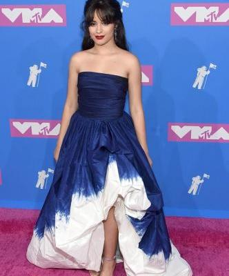 Camila Cabello's 2018 VMAs Look Has Me Feeling Blue In The Best Way