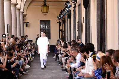Watch the No. 21 Runway Show Live
