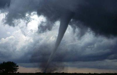 Tornado leaves 2 dead & many missing after leveling hotel in Oklahoma