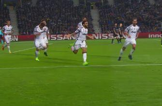 Dani Alves makes it 2-0 for Juventus vs. FC Porto | 2016-17 UEFA Champions League Highlights