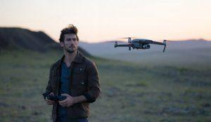 DJI Introduces Smart Remote Controller with Built-In Display at CES 2019
