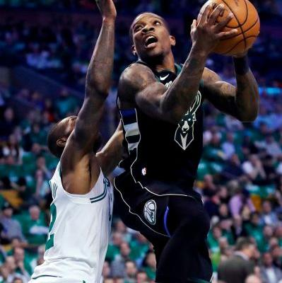 Bledsoe, Bucks say point guard's left hand is fine