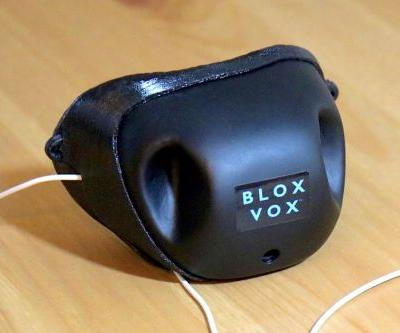 Bloxvox's Voice-Dampening Device Gives Users Privacy During Calls