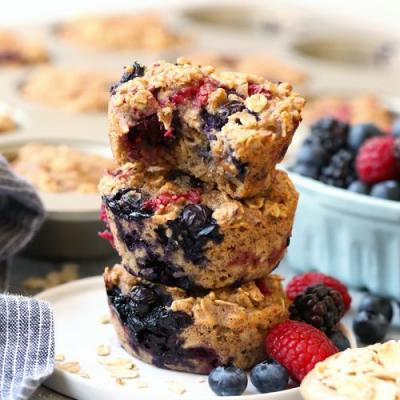 Triple Berry Baked Oatmeal Cups {Video}