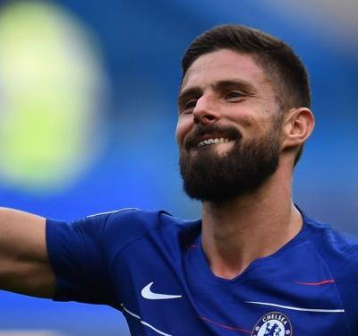 Giroud: Chelsea transfer links with strikers don't trouble me