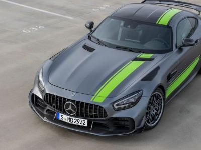 The New Mercedes-AMG GTR Pro Is An Angry V8 Aero-Fest