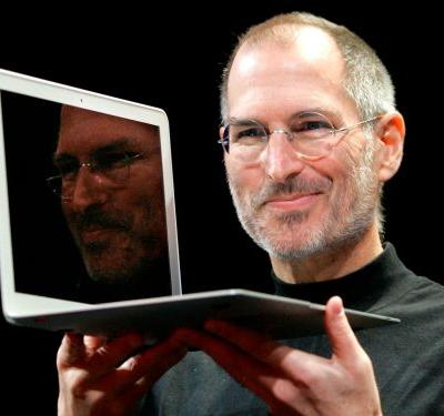 Bill Gates says Steve Jobs could be both an 'asshole' and a wizard who cast 'magic spells' on people