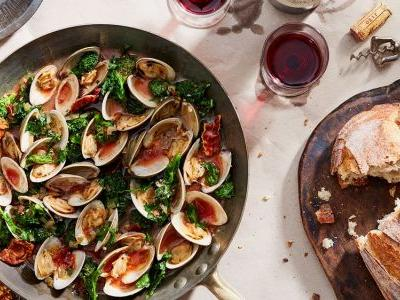 Clams with Broccoli Rabe and Crispy Prosciutto in Tomato-Wine Sauce