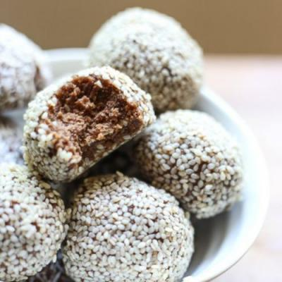Chocolate Tahini Energy Balls