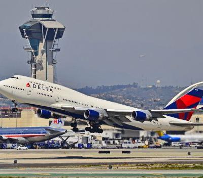 Delta Air Lines beats on earnings and guidance
