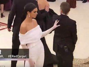 Everyone Is Talking About This Kendall Jenner Moment At The Met Gala