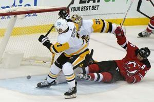 Sceviour scores twice after being waived, Penguins win