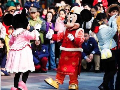 Disney drops 3% after Wuhan coronavirus forces closure of Shanghai and Hong Kong theme parks
